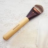 Cọ nền dẹt Innisfree My foundation brush (glow)